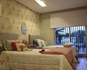 Residencia estilo minimalista barrio Mburucuyá