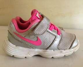 Calzado Nike Original calce 23,5