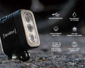 Linterna qudos GoPro action camera