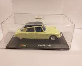Citroën DS19 1/32