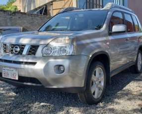 Nissan X-Trail 2009 color plata