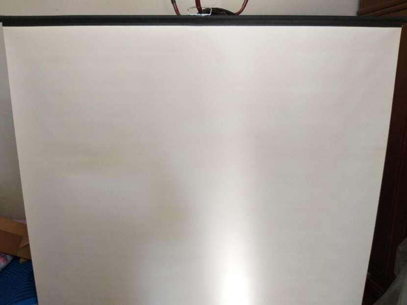 Tela para proyector - 1