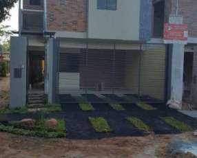 Duplex de 2 plantas Fernando de la Mora zona Norte