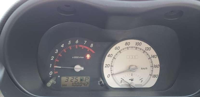 Toyota IST 2003 - 8
