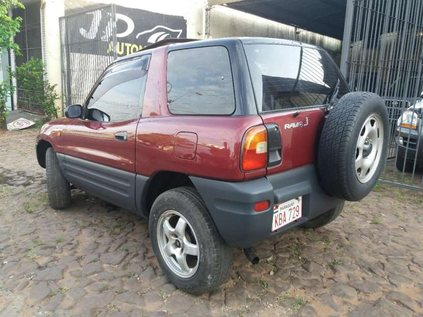 Toyota RAV4 1995 - 4