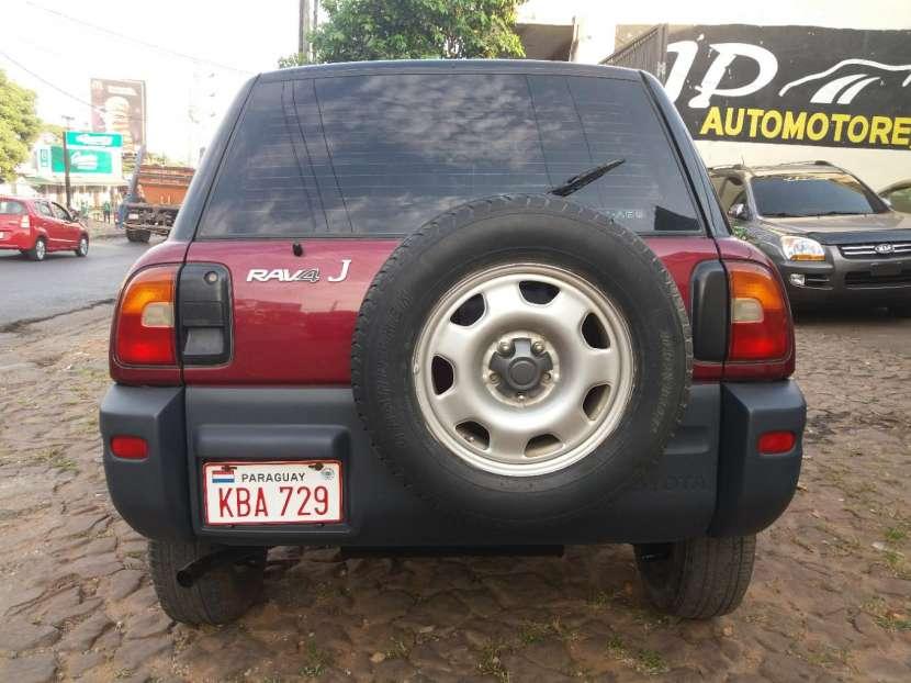 Toyota RAV4 1995 - 8