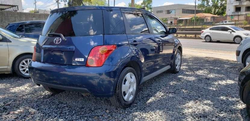 Toyota IST 2003 color azul - 3