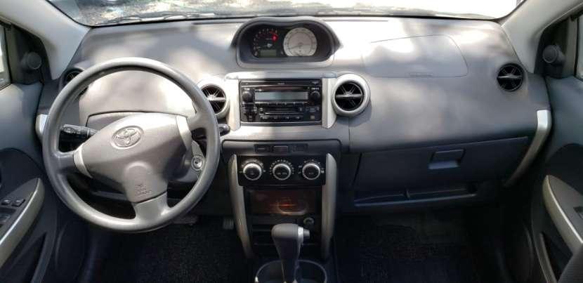 Toyota IST 2003 color perla - 7