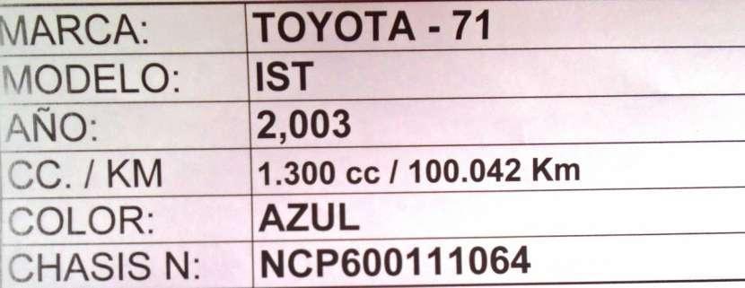 Toyota IST 2003 color azul - 8