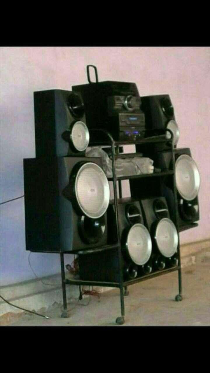 Equipo de sonido Philips de 14.000W - 0