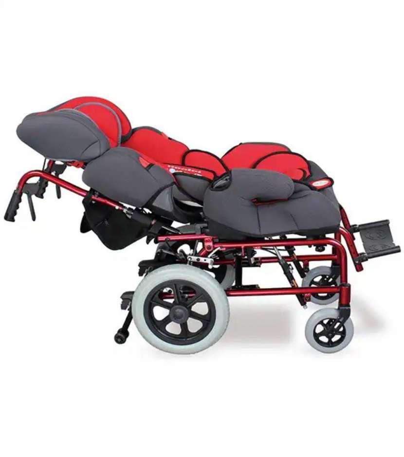 Silla de ruedas para niños roja - 0