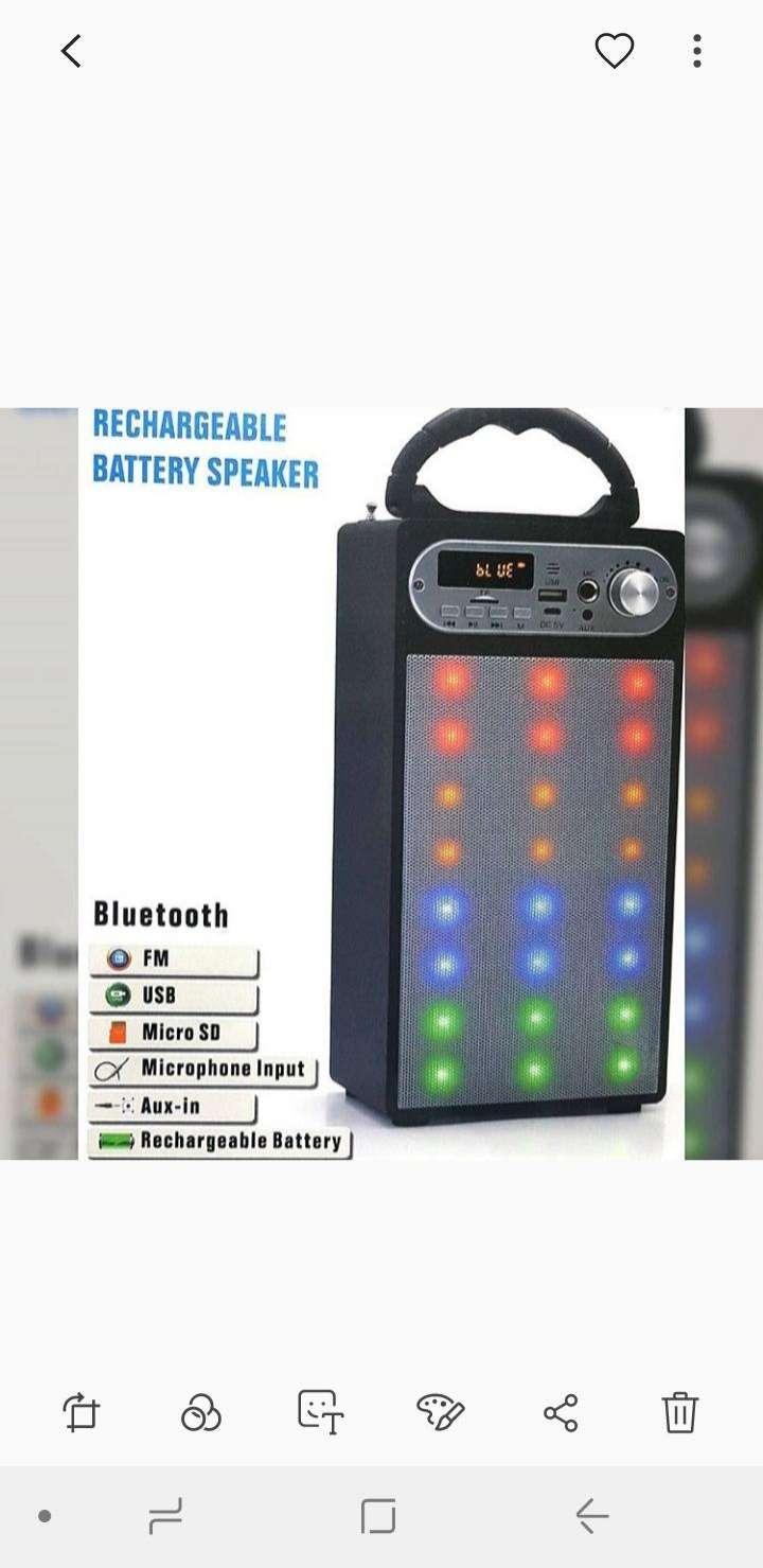 Speaker con micrófono - 0
