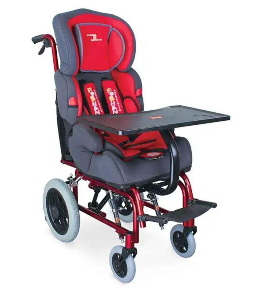 Silla de ruedas para niños roja - 1