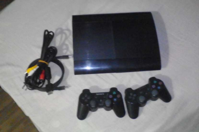 Playstation 3 Super Slim 500GB - 0