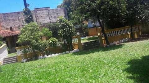 Casa sobre la Avda. Gral Santos - 1