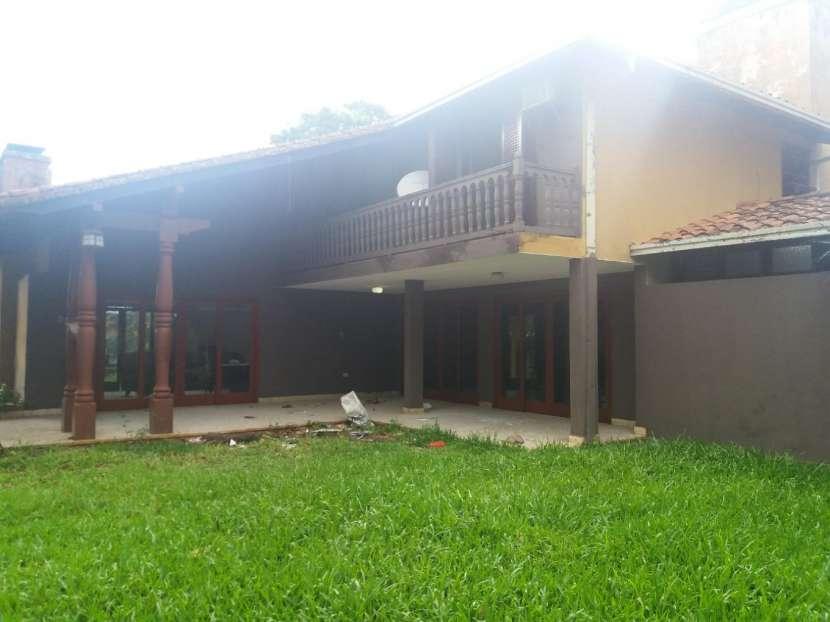 Casa sobre la Avda. Gral Santos - 3