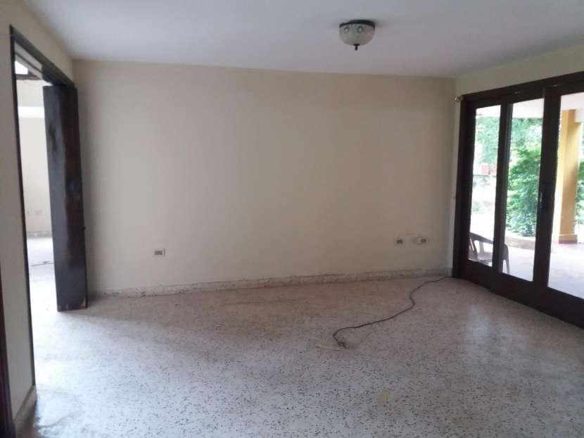 Casa sobre la Avda. Gral Santos - 5