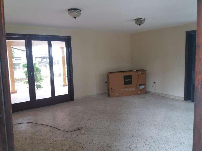 Casa sobre la Avda. Gral Santos - 7