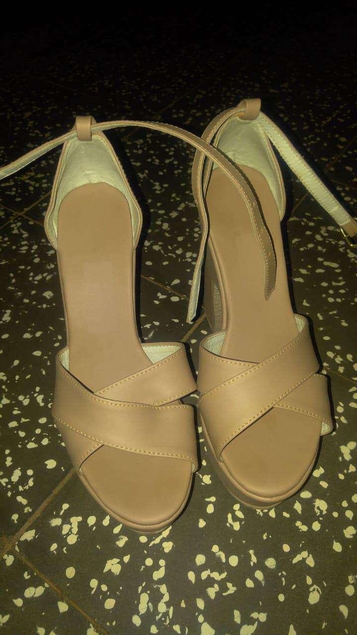 Zapato calce 38 - 0