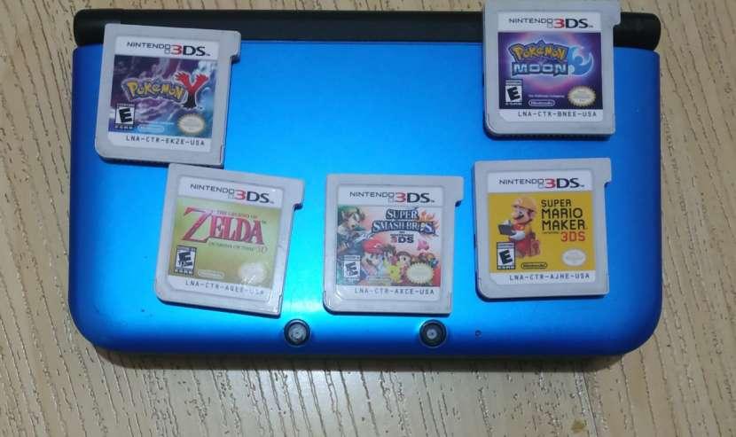 Nintendo 3DS XL con 5 juegos - 0