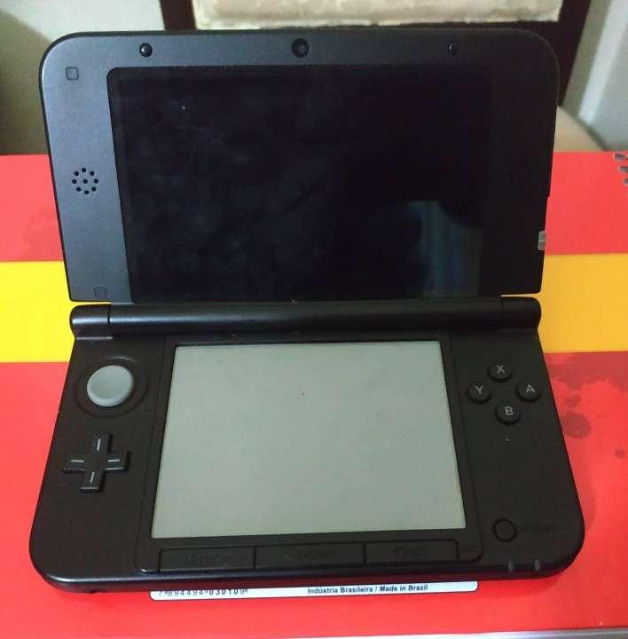 Nintendo 3DS XL con 5 juegos - 1
