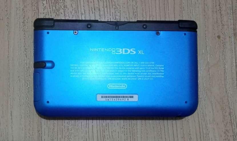 Nintendo 3DS XL con 5 juegos - 2