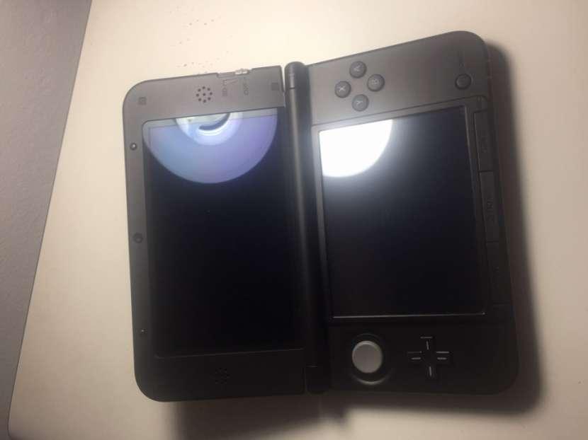 Nintendo 3DS XL, seminuevo sin usar. Incluido Pokemon Y. - 1