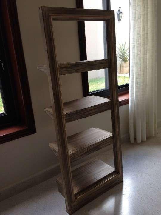 Biblioteca de madera - 1