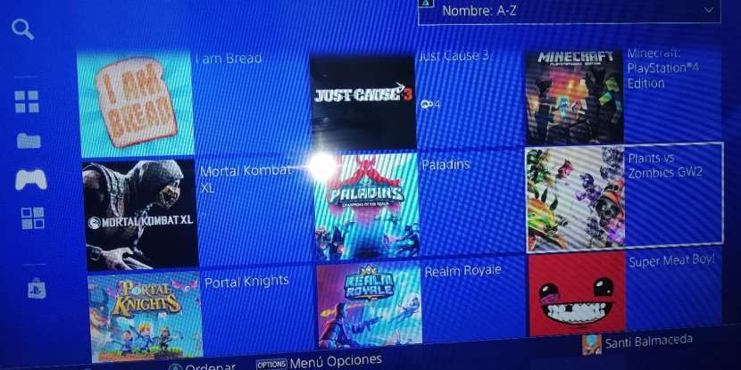 PlayStation 4 de 1TB y 12 juegos - 1