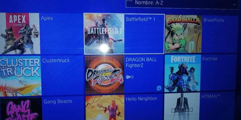 PlayStation 4 de 1TB y 12 juegos - 3