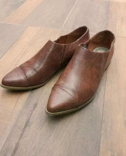 Zapato Femenino de cuero American Eagle calce 39 - 0
