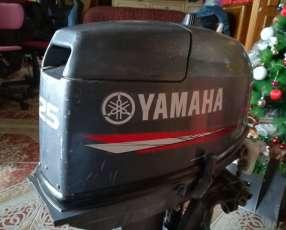 Motor YAMAHA 25 CV DOS TIEMPOS