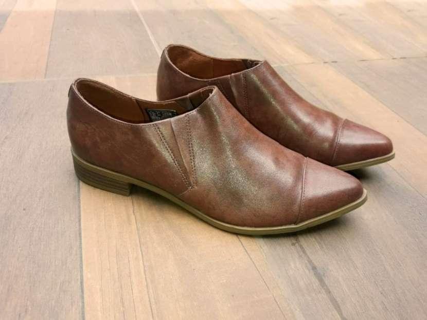 Zapato Femenino de cuero American Eagle calce 39 - 1