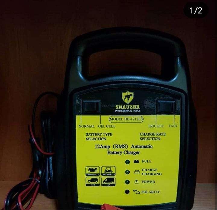 Cargador de baterías para vehículos de máxima potencia - 0