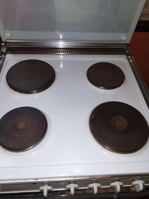 Cocina eléctrica Bompani 4 hornallas - 1