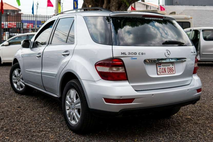 Mercedes Benz 300 CDI 2010 full equipo - 6