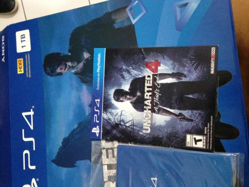 Playstation 4 PS4 de Sony, Versión Uncharted 4 1Tb - 0