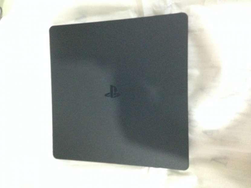 Playstation 4 PS4 de Sony, Versión Uncharted 4 1Tb - 3