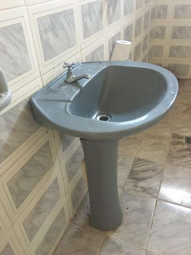 Bacha para baño e inodoro - 3