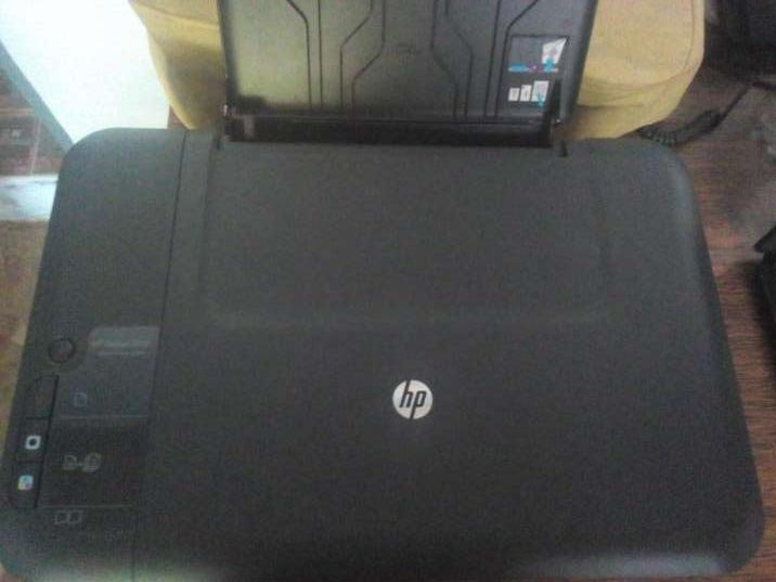 Impresora Multifuncion HP Deskjet 2050 - 0