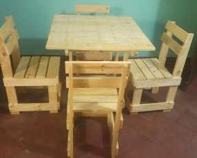 Mesa nueva con 4 sillas