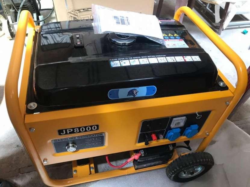 Generador 6.5 KVA naftero - 0