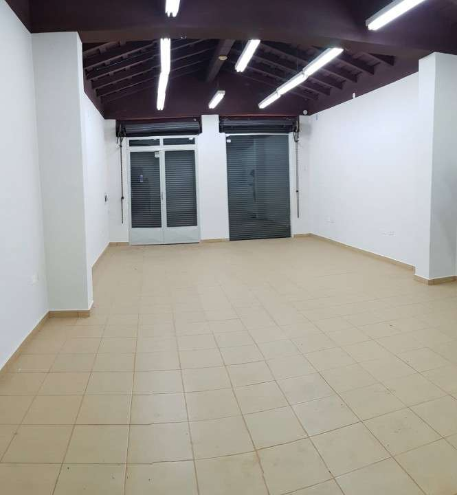 Salón comercial zona eusebio ayala - 2