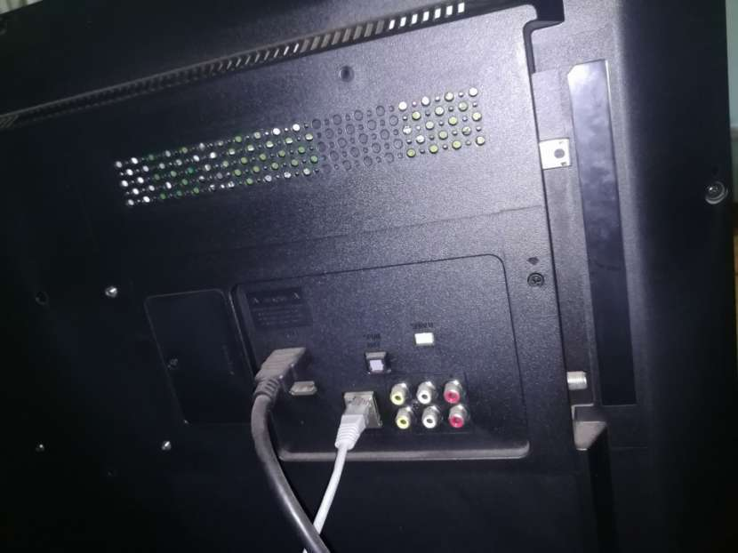 Tv de 32 pulgadas AOC Smart - 4
