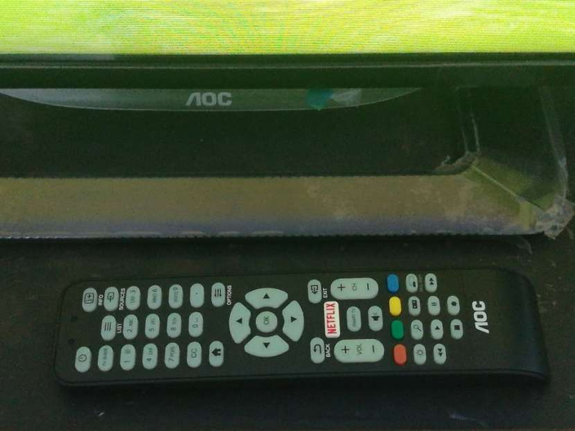 Tv de 32 pulgadas AOC Smart - 3