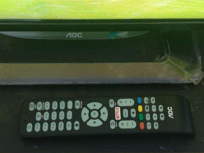 Tv de 32 pulgadas AOC Smart - 1