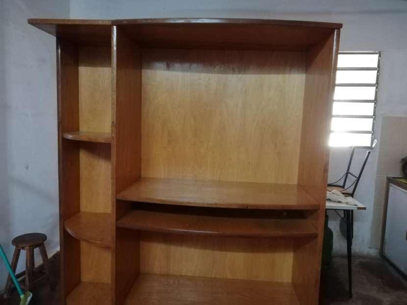 Mueble para TV y equipo de sonido - 1