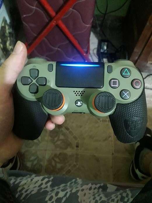 PlayStation4 Slim 500gb con control personalizado y 4 juegos - 3