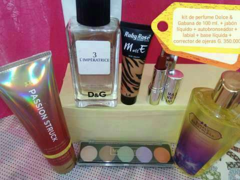 Kit de perfumes maquillajes y joyas - 1