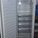 Freezer Whirpool vertical de 280 lts - 1